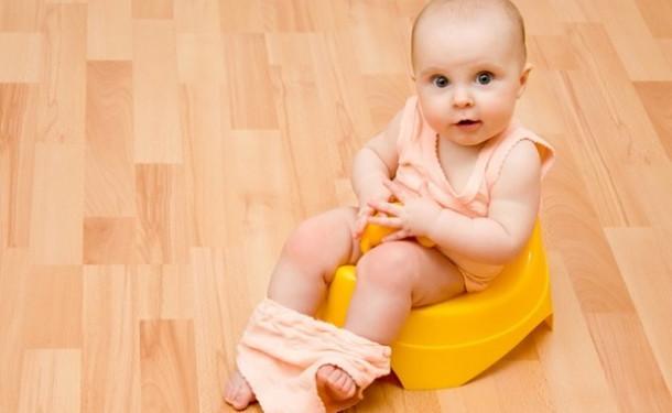 Черный кал у ребенка в 1, 1,5, 2 года: причины, кровь в кале у ребенка