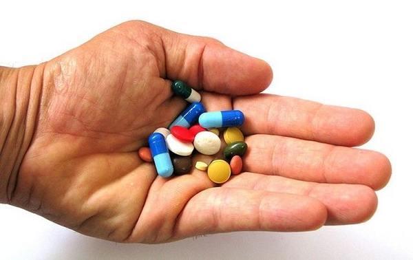 Гастрит с повышенной кислотностью желудка: симптомы, лечение медикаментами
