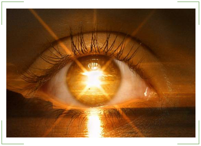 Черная точка в глазу на роговице, передвигается с взглядом: лечение слепых пятен